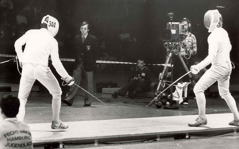 Bei einem seiner zahlreichen Kampfleitereinsätze bei der Fechtweltmeisterschaft 1978 in Hamburg